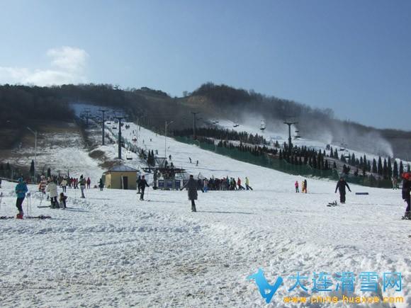 大连欢乐雪世界滑雪场